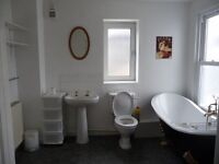 Luxurious 6 Bedroom Student House 2 Mins from University with Roof Terrace and Sea Views