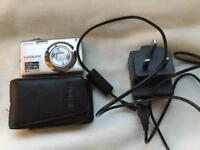 Nikon Coolpix S3000, with charger & case.