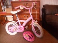 Girl's cupcake bike with helmet