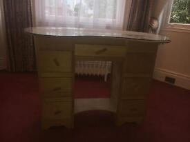Antique kidney shaped dressing table £25