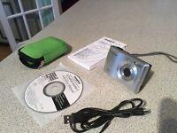 OLYMPUS digital camera model fe -26 , 12 megapixel, silver/black plus accessories, booklet and CD