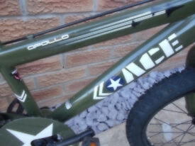"""APOLLO Ace Kids Air Force BIKE, Squadron 77, 10"""" Frame, 18"""" Alloy Wheels, in V.G.C"""