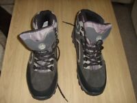 Mans Walking/hiking Boots