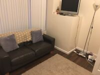 Looking for 1 person to take up a lease on a room in a 2 bedroom 2 bathroom student flat