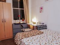 Bright DOUBLE ROOM IN BRICKLANE!!! 3 floors house with 2 TERRACES! BILLS INC!!!!