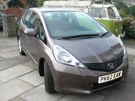 FOR SALE HONDA 'JAZZ' LADY OWNER ONLY 8000 MILES IMMACULATE CONDITION