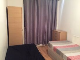 5 mins from QUEEN MARY UNI. TWO minutes walking from Stepney Green station.