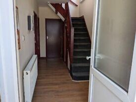 large 4 bedroom house £2400 per month plus bills Furnished in kingsbury