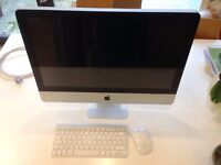 iMac 21.5 inch Late 2009 with Original Keyboard and mouse