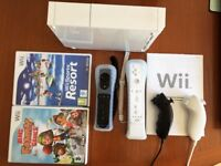 Wii MotionPlus with 2 games, remotes and nunchucks