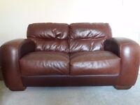2 leather sofas (2 seaters)