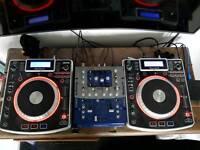 2 x Numark NDX900 CD decks and Numark DXM06 mixer. Great condition. Boxed.