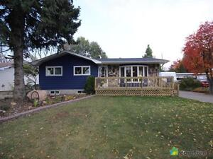 $435,000 - Bungalow for sale in St. Albert