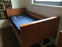 Adjustable bed, hospital-style, in perfect working order