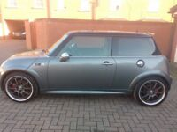 Superb example of MINI Cooper S in gunmetal grey with 12 months MOT
