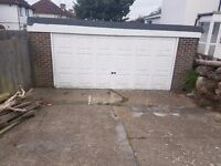 Double Garage for rent with drive