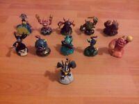 Skylanders 11 Figures with display Box Great Condition