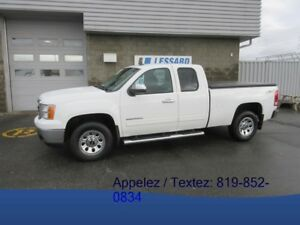 2013 GMC SIERRA 1500 4WD EXTENDED CAB SWB SL TRES PROPRE