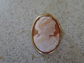GENUINE CAMEO Brooch - 9 Carat YELLOW GOLD Brooch