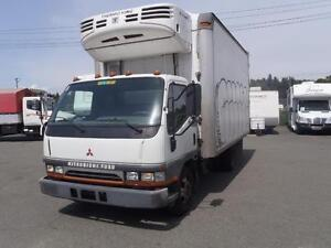 2004 Mitsubishi Fuso Fe649 Dually Diesel Cube Van with Reefer
