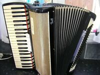 ITALIAN PIANO ACCORDION 120 BASS