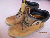 Dewalt safety boots size 10.