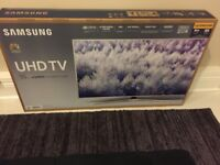 Samsung 55 inch UHD 6 Series TV, Latest Model 4 weeks old with receipt, Cost £799 will sell £550....