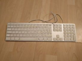 Apple Wired Keyboard - UK version