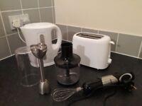 Kettle, toaster + hand blender
