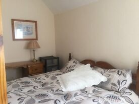 Double Room for short term let in quiet family home Shoreham
