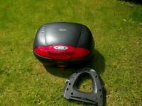 Givi Simply Large Top box + Base