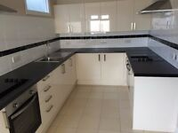 IG2.Gants hill.En-suite double room available for Couple/single.24/7 WiFi. All bills incl. Furnished