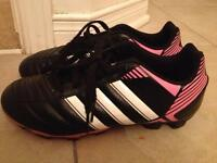 Adidas Girls Soccer Cleats (Size 3)