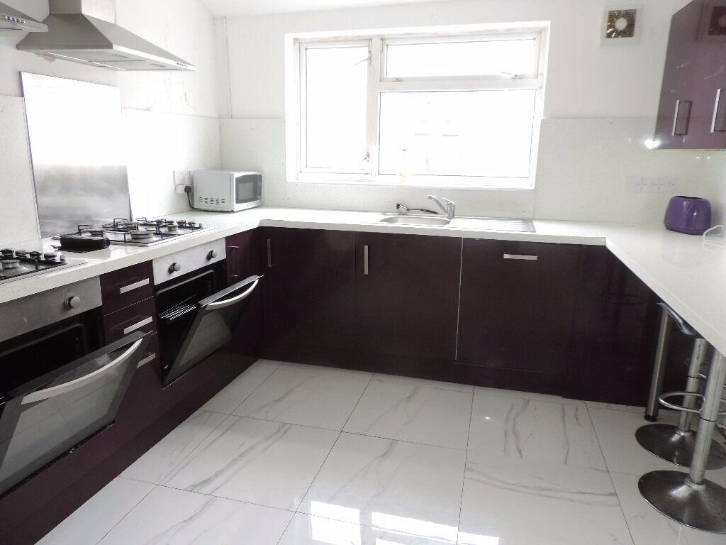 Lisvane Street, 6 Bed Student House, £1800pcm, **AVAILABLE 01/07/2017**