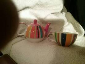Small colourful teapot/cup combo'