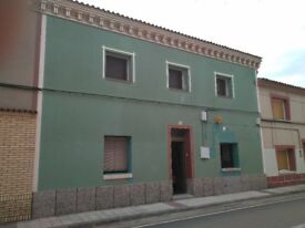 Wonderful Cottage in the sunny Spain , 200 m2 in tow near Zaragoza city between Madrid and Barcelona