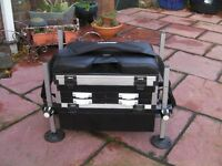 BADGER FISHING BOX EXCELLENT CONDITION