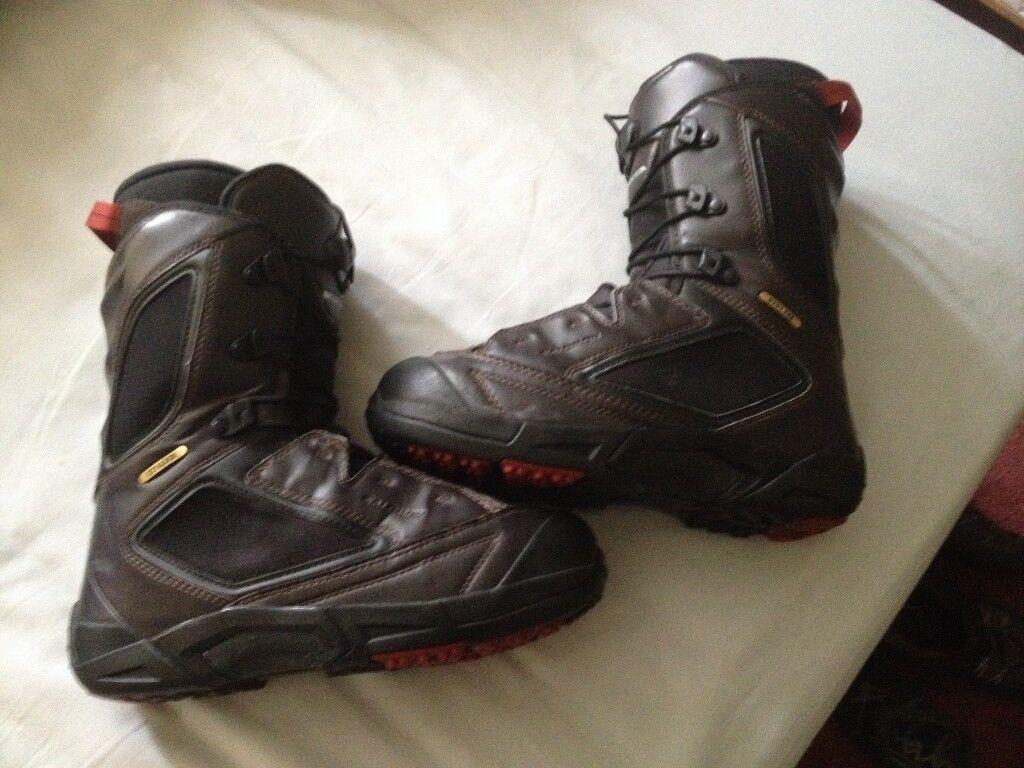 Salomon size 8 -8.5uk snowboard boots
