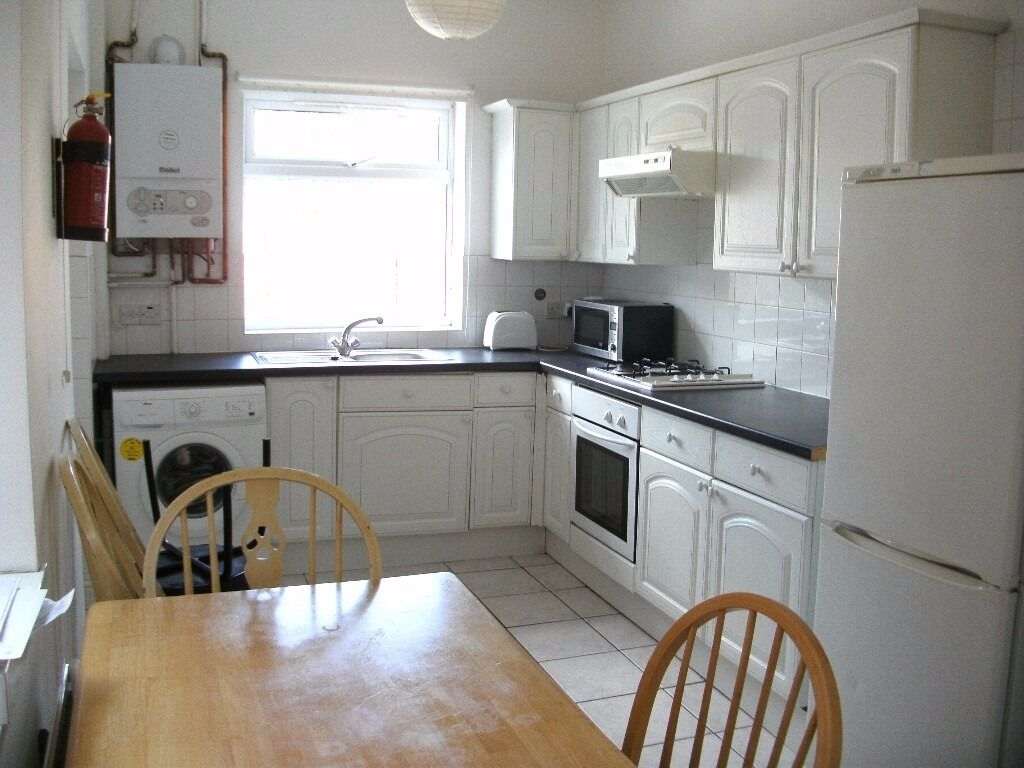 1st July 17 - 5 Bed House Whitby Rd, Fallowfield 5 x £325pcm FREE INTERNET TV & LICENCE INCLUDED!