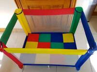Graco play pen / travel cot