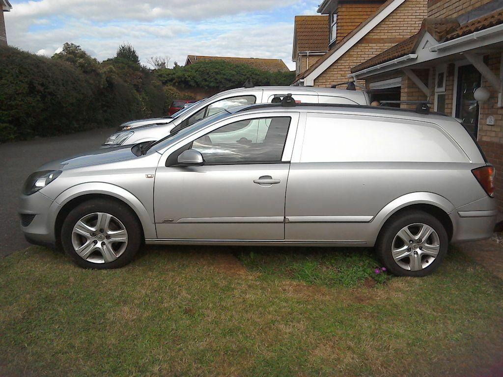 vauxhall astra 1 7 cdti sportive in exmouth devon gumtree. Black Bedroom Furniture Sets. Home Design Ideas