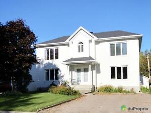 374 000$ - Maison 2 étages à vendre à St-Nicolas