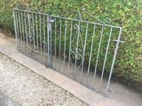Double gates for driveway