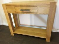 Oak console table in great condition. Free delivery in Belfast.