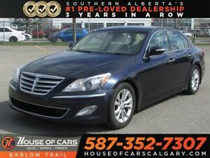 2013 Hyundai Genesis  / Leather / Sunroof / Heated Seats 3.8L