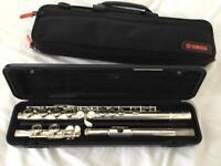 Yamaha 211 flute with case