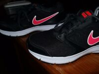 NIKE DOWNSHIFTER LADIES TRAINERS (BRAND NEW / NEVER WORN)