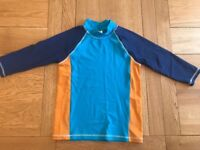 Mini Boden boys 9-10 years swimming rash top