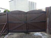 2 heavy duty decking gates