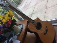 Yamaha APX700 Acoustic Guitar